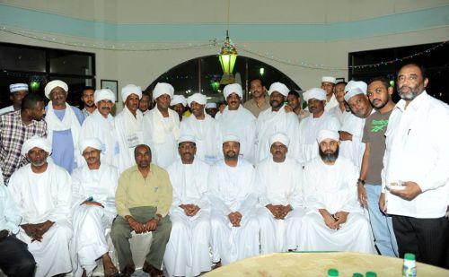 هلالاب قطر يقيمون افطارهم السنوي على شواطىء الخليج