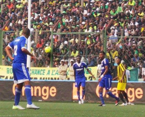 تقرير الحكم الكيني يهدد لاعبي الهلال بالايقاف