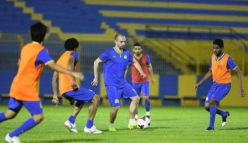 ايقاف لاعب النصر السعودي حسين عبد الغني مباراتين