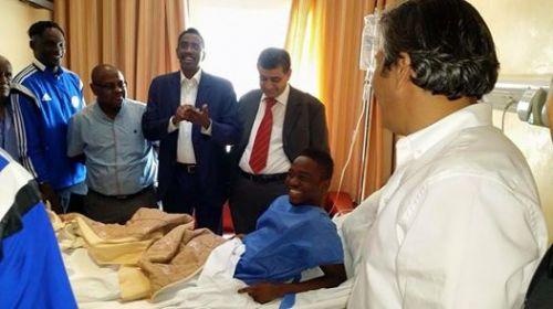 محمد عبد الرحمن يطمئن الاهلة من تونس على حالته الصحية