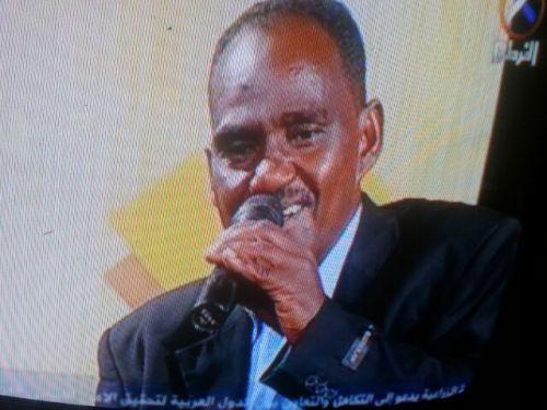 الفنان مختار عبد الحفيظ يعطر أماسي الخرطوم