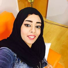 لينا مذيعة قناة الشروق  أنور (عروساً)