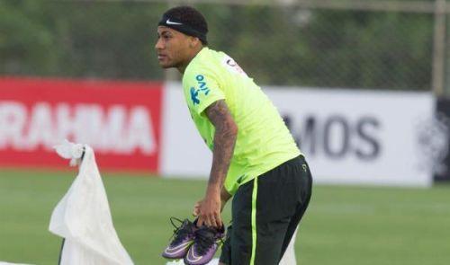 بمعنويات عالية ..نيمار يتدرب مع البرازيل للمرة الأولى قبل مواجهة الأرجنتين