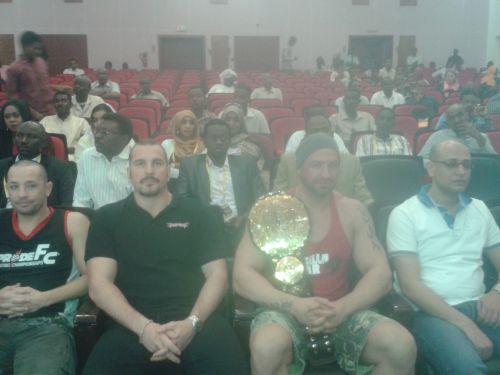 وصلوا فجرا..المصارعون يعبرون عن سعادتهم بزيارة السودان