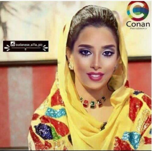 الفنانة العربية بلقيس فتحي تتألق بالثوب السوداني وتسأل رأي الجمهور