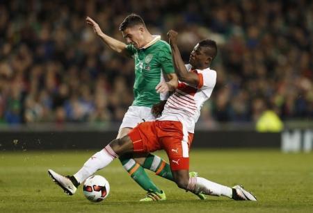 أيرلندا تهزم سويسرا بهدف كلارك استعدادا لبطولة أوروبا