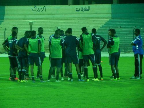 طارق العشري يجتمع بنجوم الهلال في المنتخب الوطني