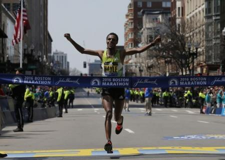 الاثيوبيون يهيمنون على ماراثون بوسطن