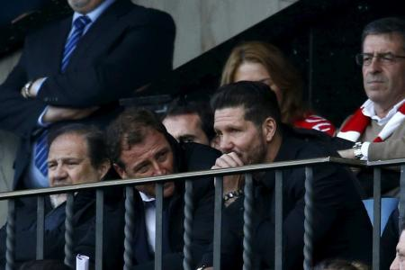 سيميوني يغيب عن أتليتيكو في بقية مبارياته بدوري اسبانيا للإيقاف