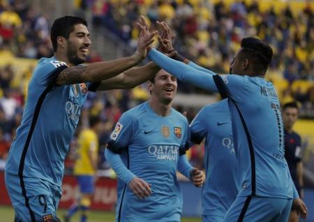 برشلونة يواجه تحدي ريال بيتيس في الليجا الاسبانية