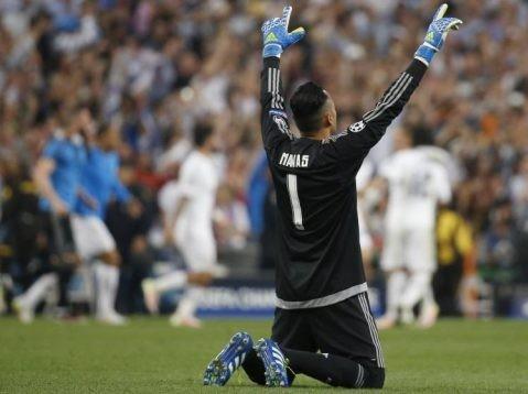 كاسيلا يقود ريال مدريد في مباراة فالنسيا