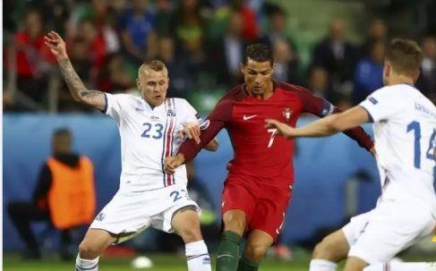 قبل مواجهة بولندا..الصحف البرتغالية تشيد برونالدو