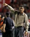 الأرجنتين تعين المدرب بوزا الفائز بكأس ليبرتادوريس مرتين
