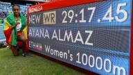الإثيوبية ايانا تفوز بسباق 10 الاف متر في ريو محطمة الرقم العالمي