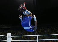الكوبي راميريز يفوز بذهبية الملاكمة في وزن الديك في ريو