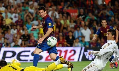 عشاق برشلونة يحلمون بأن يكون ليونيل ميسي فى قمة مستواه  ضد ريال مدريد