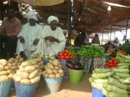 رويترز :السودان يعاني من إرتفاع الأسعار يومياً والتضخم يقترب من 20%