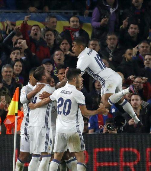 سيرجيو راموس ينقذ الريال من الهزيمة في الكلاسيكو ويحرز هدف التعادل في شباك برشلونة