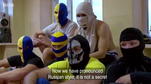 الهوليجانز يهددون مانشستر يونايتد في روسيا