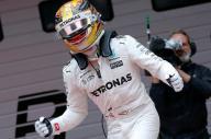 هاميلتون سائق مرسيدس يفوز بسباق جائزة الصين الكبرى وفيتل الثاني
