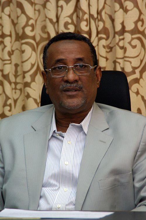 ابراهيم محمود يدعو الي تفكيك (البني التحتية) التي أسست ضد السودان