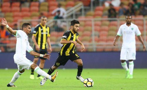 الاهلي يهزم الاتحاد جدة بثلاثية في دوري جميل