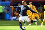 فرنسا تحقق فوزاً بشق الأنفس على منتخب إستراليا