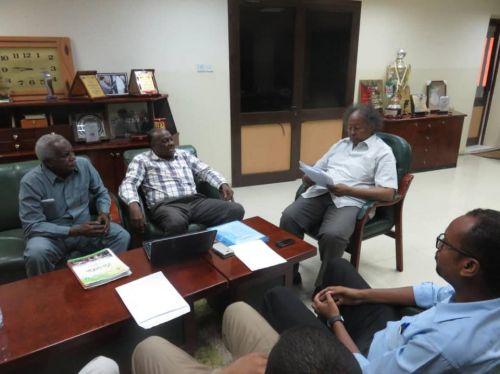 البروف شداد يستقبل عدد من أعضاء إدارة وعمومية الخرطوم الوطني