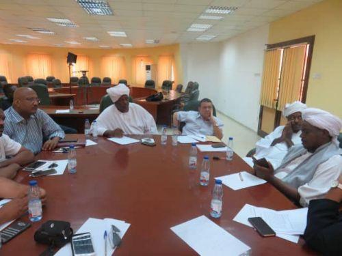 ضوابط مشددة وروح طيبة باجتماع اللجنة المنظمة لمباراة القمة