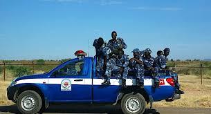 مسلحون يعتدون علي فتاتين تحت تهديد السلاح