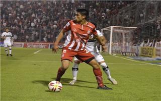 أتلتيكو توكومان يهزم تيجري ويتصدر الدوري الأرجنتيني مؤقتا