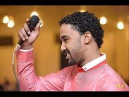 احمد الصادق من حفل خيري يلحق بوالده بالمستشفي