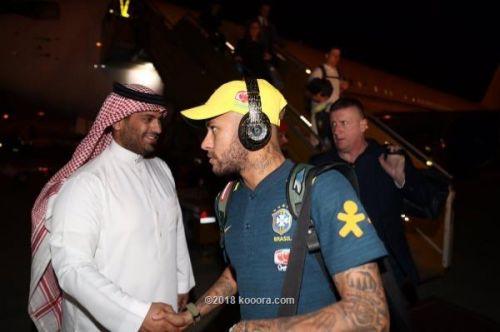 نيمار وكوتينيو يقودان بعثة البرازيل إلى السعودية