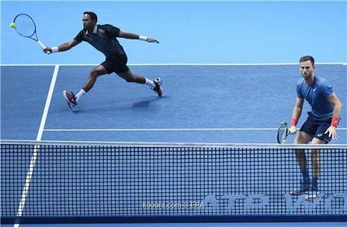 تنس: كابال وفرح إلى نصف نهائي البطولة الختامية