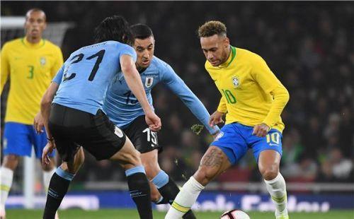 هل يتطور ..خلاف بين كافاني ونيمار في لقاء أوروجواي والبرازيل