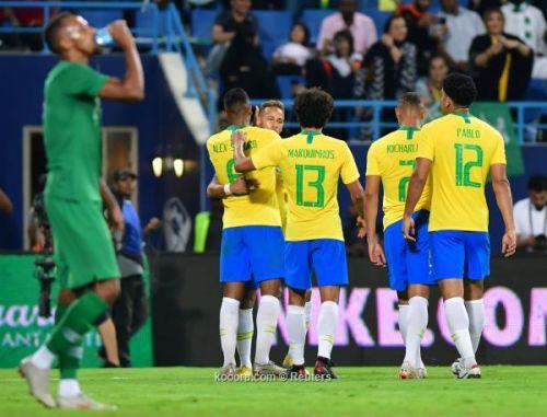 تعديلات تيتي تصطدم بطموحات سيدورف في ودية البرازيل والكاميرون