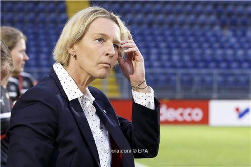 كرة نسائية ..تيكلنبورج تؤمن بقدرة المرأة على التدريب بالبوندسليجا