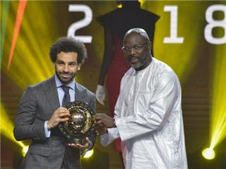 محمد صلاح يفوز بجائزة افضل لاعب في افريقيا للمرة الثانية