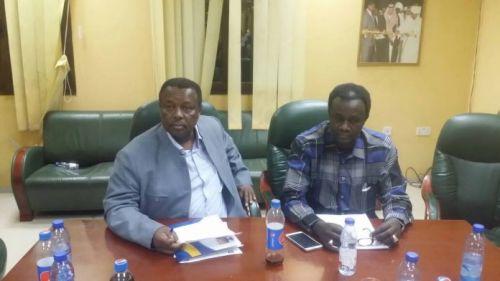 السلطات تعتقل رمزي صالح نائب رئيس لجنة المسابقات السودانية