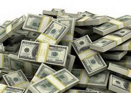 هبوط الدولار ..واختفاء تجار العملة
