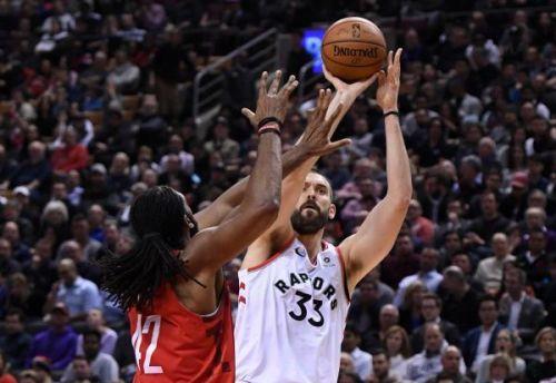 تورونتو ينتفض في السلة الامريكية