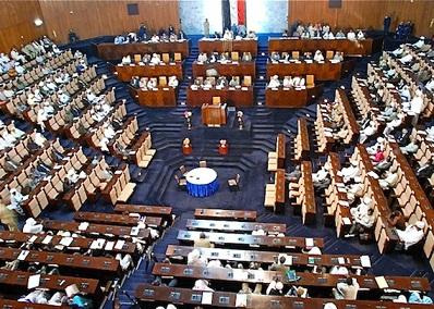 قيادي بالوطني يطالب البرلمانيين برفض قانون الطوارئ ماعدا ..