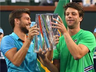 الارجنتينيأوراسيو ثيبايوس والكرواتي نيكولا ميكتيتش يفوزان بزوجي الرجال في التنس