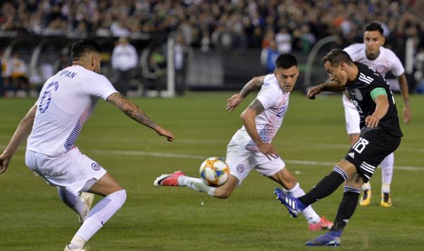 المكسيك تضرب شيلي وديا بثلاثية مقابل هدف