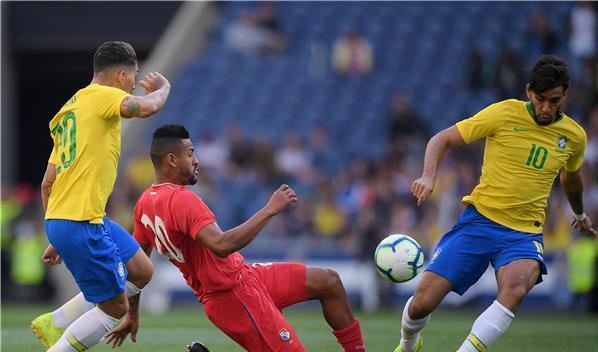 لوكاس باكيتا يحرز اول اهدافه مع السامبا البرازيلية