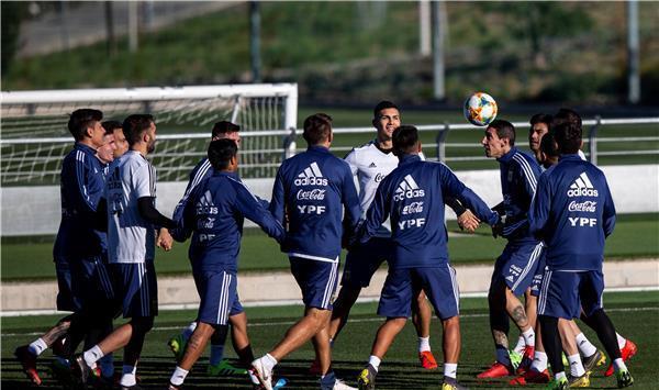 تنافس مثير في منتخب الارجنتين قبل مواجهة المغرب