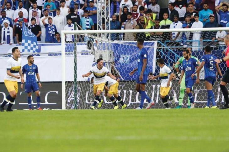 حمى الكلاسيكو السعودي لكرة القدم تصيب المناصرين