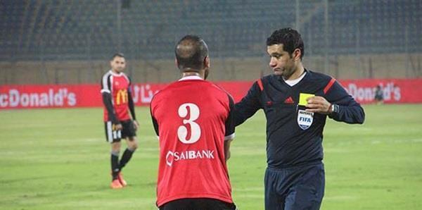 المصري محمود الينا يضبط لقاء الهلال والنجم الساحلي
