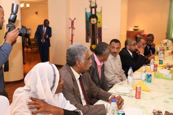 قوى الحرية والتغيير تحدد ٦ شروط لقبول وساطة رئيس الوزراء الاثيوبي