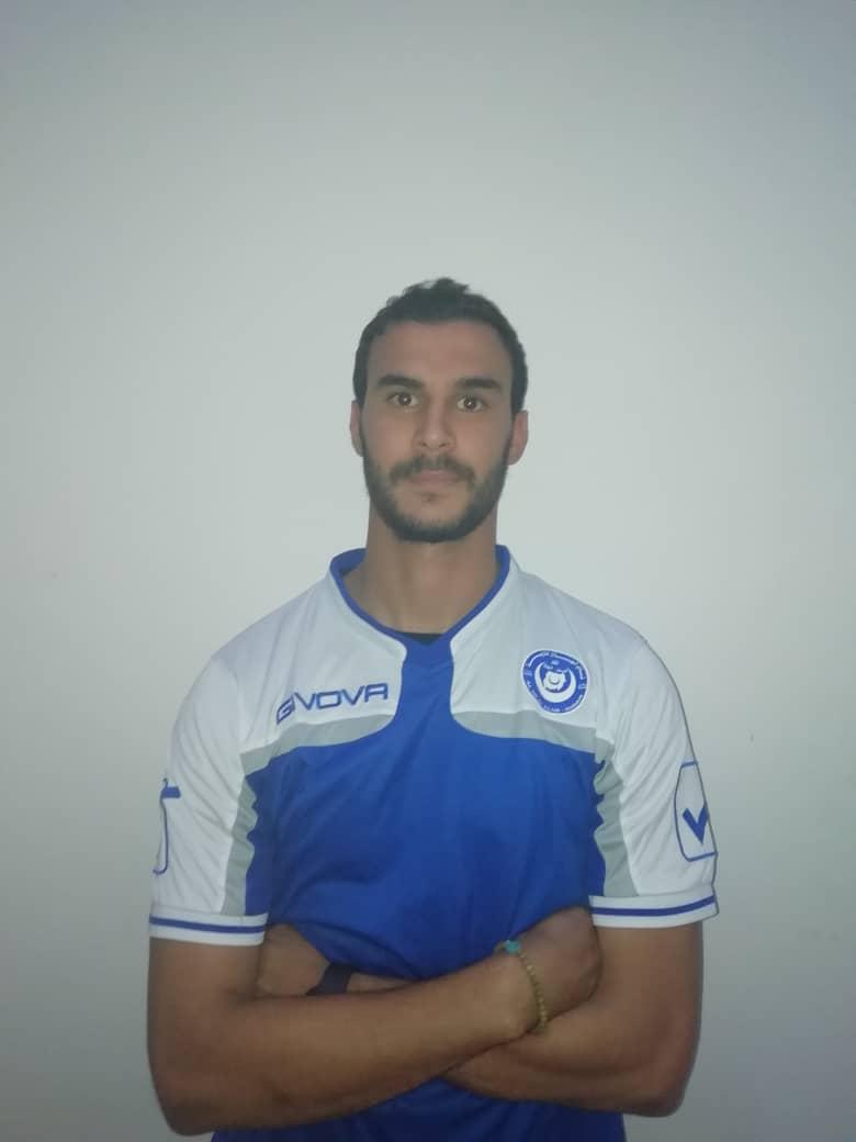 التونسي شهاب الدين بن فرج يتوشج بالازرق